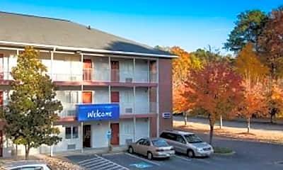 Building, InTown Suites - Newport News (NPN), 0
