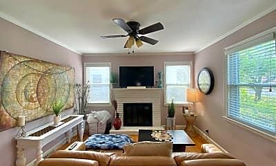 Living Room, 3710 Moss Ave, 1