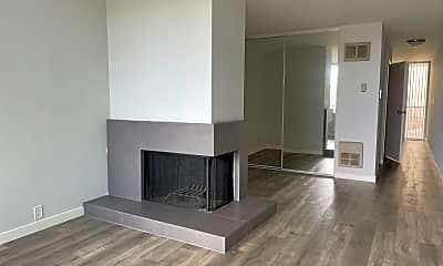 Living Room, 1144 Pine St, 0