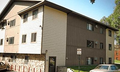 Building, College Living St. Cloud, 2