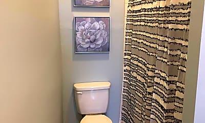 Bathroom, 133 Bogard St B, 2