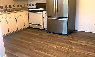 Kitchen, 4336 Lindenwood Dr, 2