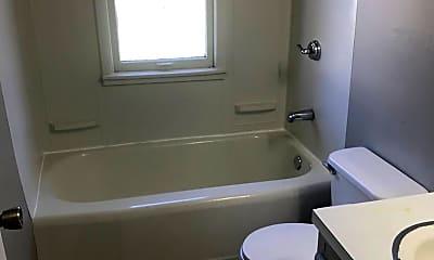 Bathroom, 3535 Abbott St, 2