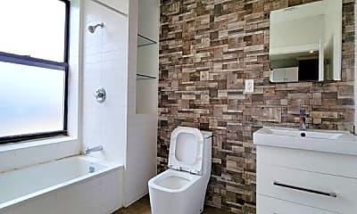Bathroom, 201 15th St, 1