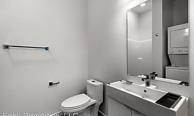 Bathroom, 1524 N Sumner St, 2