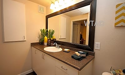Bathroom, 10505 S Ih 35 Frontage Rd, 0