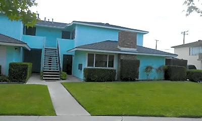 Building, 13552 Arizona St, 1