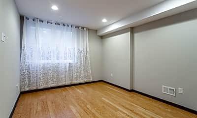 Living Room, 2553 Montrose St, 2