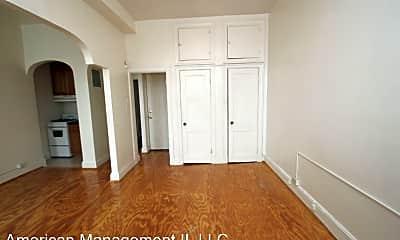 Bedroom, 6 E Preston St, 1