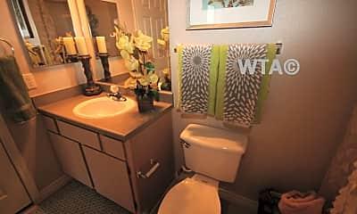 Bathroom, 3711 Medical Dr, 2