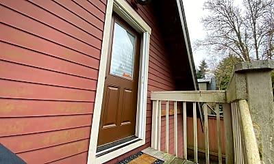 Patio / Deck, 3911 SW Freeman St, 1