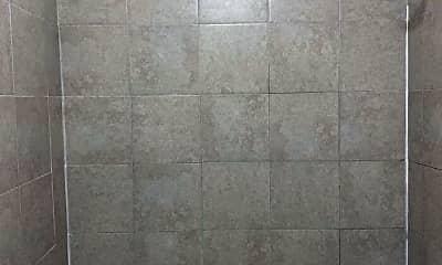 Bathroom, 1007 DeKalb St, 2