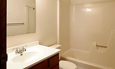 Bathroom, Columbia Park Village Apartments, 2