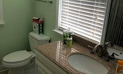 Bathroom, 392 S Franklin Blvd, 2