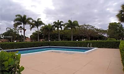 Pool, 153 Lakeview Dr 204, 2