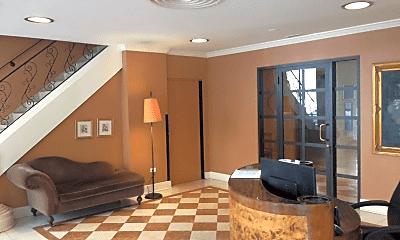 Patio / Deck, 33 E Cedar St, 1