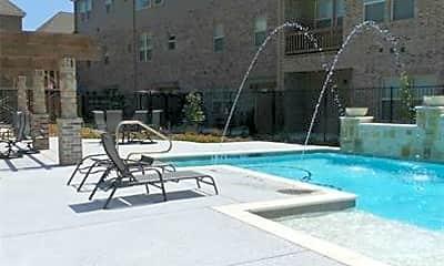 Pool, 572 Waterloo Dr, 2