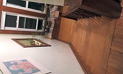 Living Room, 109 Avondale Pl, 2