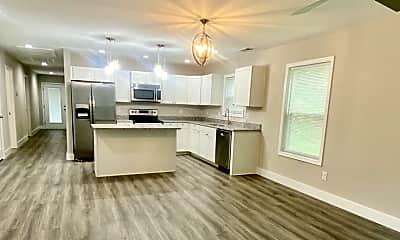 Living Room, 650 Fairmont Ave, 0