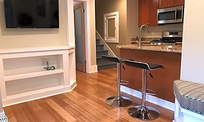 Kitchen, 2809 A SW Nevada, 1