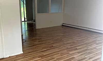 Living Room, 204 Greening Pl, 1