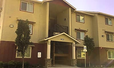Redwood Commons Apartments, 0