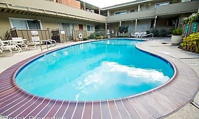 Pool, 520 University Ave, 0