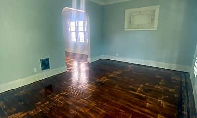Living Room, 118 Norton St, 1