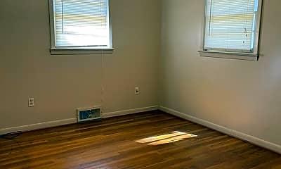 Bedroom, 908 Twin Oaks Ave, 2