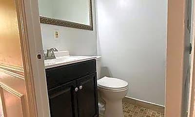 Bathroom, 1682 Euclid St NW B, 2