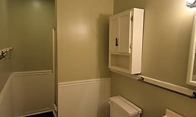 Bathroom, 642 Golfview Dr, 1