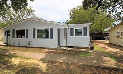 Building, 2212 David Dr, 1