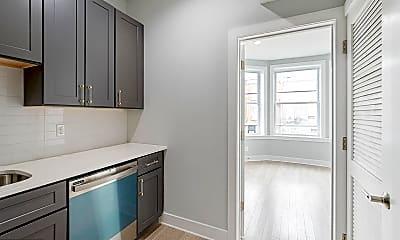 Kitchen, 2808 W Oxford St 2, 1