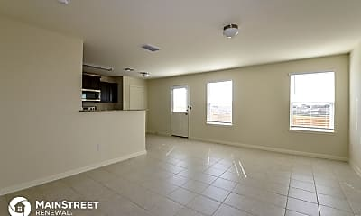 Living Room, 6202 Lakefront, 1
