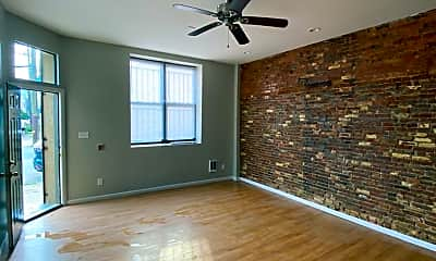 Living Room, 2113 E Huntingdon St, 2