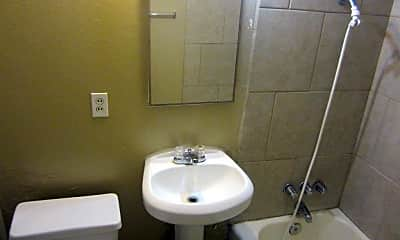 Bathroom, 2503 Lake St, 1