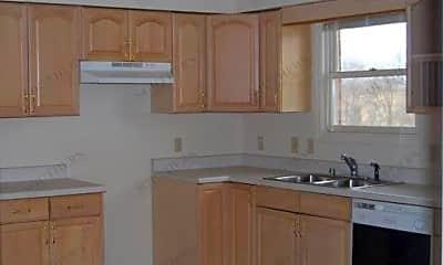 Kitchen, 132 Village Cir, 1