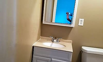 Bathroom, Harrison 700, 2