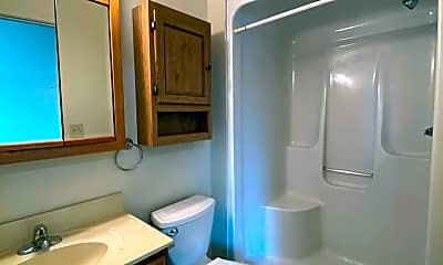 Bathroom, 318 S 9th St, 2
