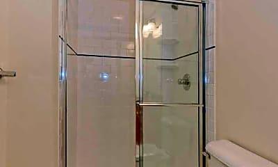 Bathroom, 301 Green St 117, 2