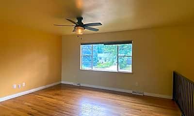 Living Room, 1504 Elm St, 1