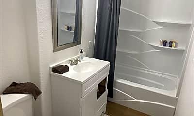 Bathroom, 3190 Tarpon 102, 1