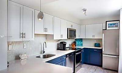 Kitchen, 1051 Meridian Ave, 1