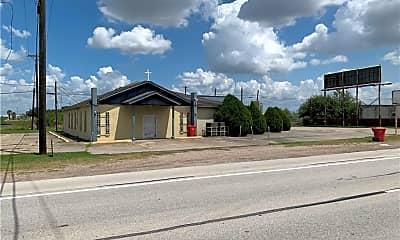 Building, 1301 TX-44, 1