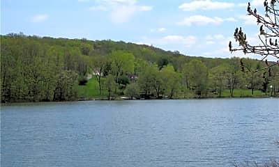 582 Lakes Rd, 2