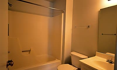 Bathroom, 300 Kilbuck St E, 2