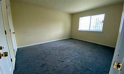 Living Room, 7514 Hawthorne St, 1