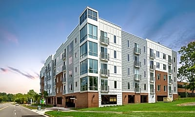 Building, Innslake Place Apartments, 0