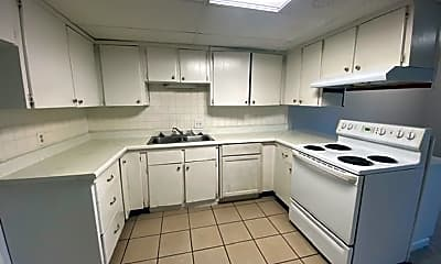 Kitchen, 6356 Commons Dr, 2