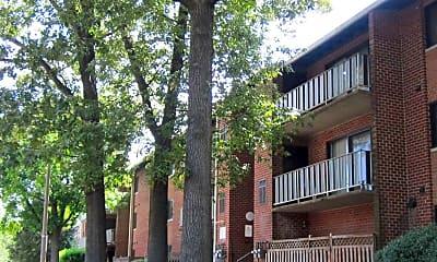 Rolling Hills Apartments, 1